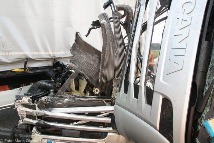 Unfall A8 Burgau-Günzburg 3 LKW 06082019 11