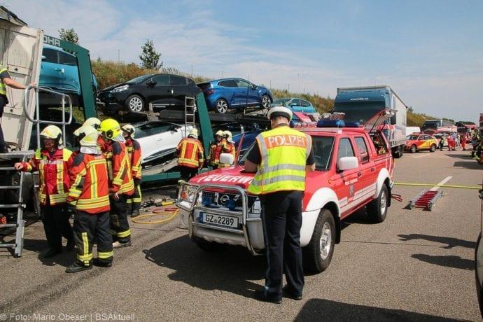 Unfall A8 Burgau-Günzburg 3 LKW 06082019 12