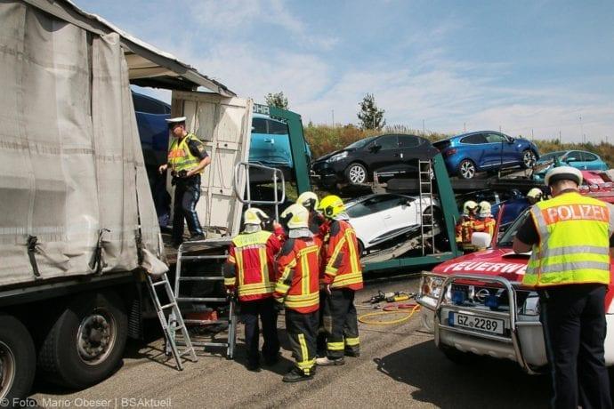 Unfall A8 Burgau-Günzburg 3 LKW 06082019 13