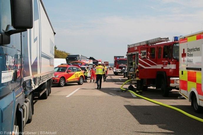 Unfall A8 Burgau-Günzburg 3 LKW 06082019 14