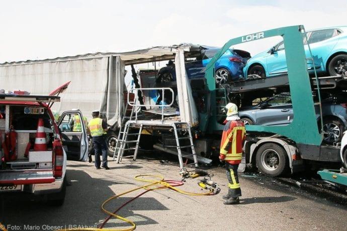 Unfall A8 Burgau-Günzburg 3 LKW 06082019 15