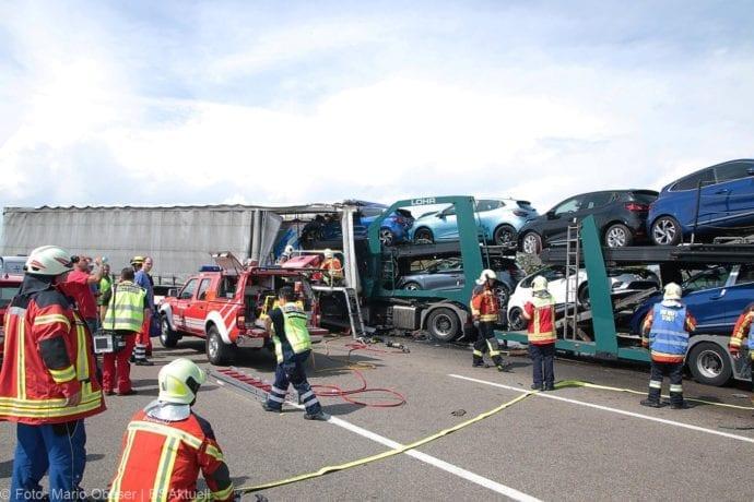 Unfall A8 Burgau-Günzburg 3 LKW 06082019 2