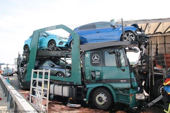 Unfall A8 Burgau-Günzburg 3 LKW 06082019 21