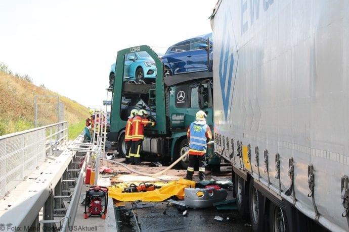 Unfall A8 Burgau-Günzburg 3 LKW 06082019 6