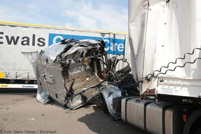 Unfall A8 Burgau-Günzburg 3 LKW 06082019 8