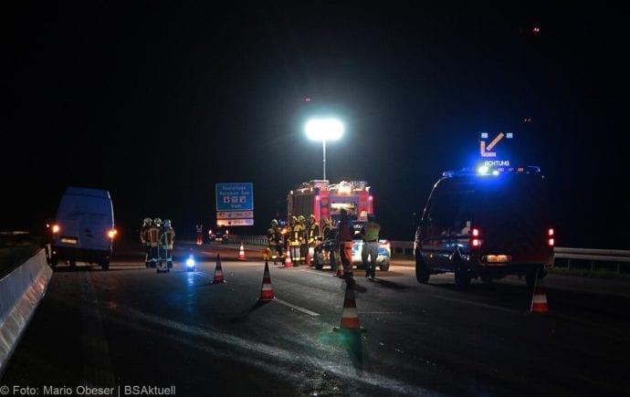 Unfall A8 Zusmarshausen-Burgau Sicherungsanhänger 28082019 12