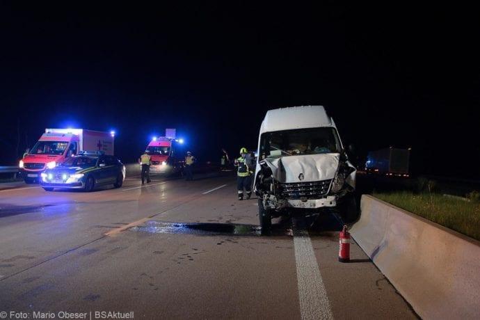 Unfall A8 Zusmarshausen-Burgau Sicherungsanhänger 28082019 4