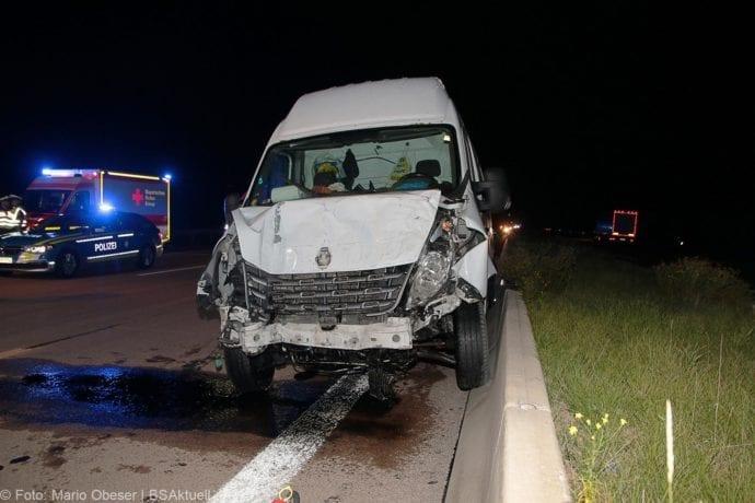 Unfall A8 Zusmarshausen-Burgau Sicherungsanhänger 28082019 6