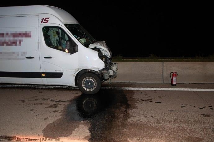 Unfall A8 Zusmarshausen-Burgau Sicherungsanhänger 28082019 7