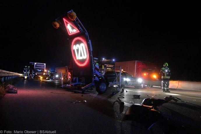 Unfall A8 Zusmarshausen-Burgau Sicherungsanhänger 28082019 9