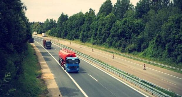 Lastwagen Sattelzüge