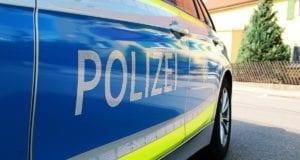 Polizeifahrzeug seitlich blau