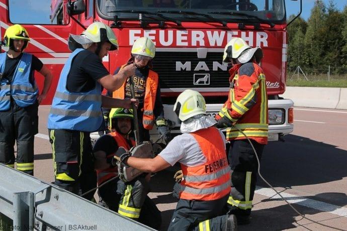 Unfall A8 Burgau-Zusmarshausen 12092019 16