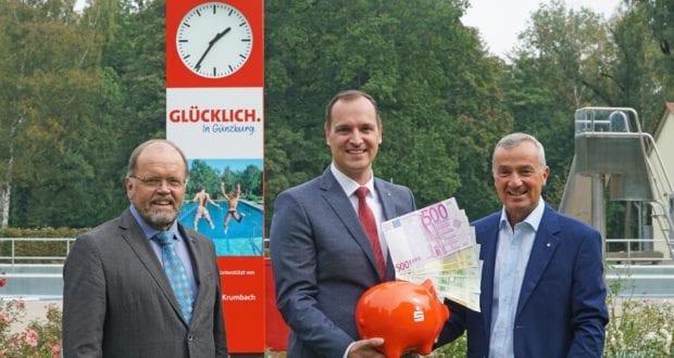 Günzburg Stadtwerke Waldbad rote Uhr