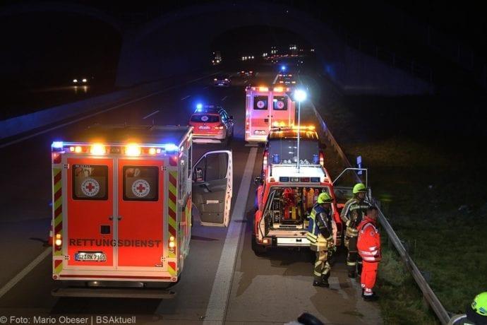 Unfall A8 Burgau-Zusmarshausen SUV überschlagen 07102019 17