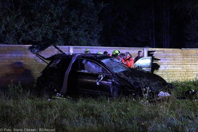 Unfall A8 Burgau-Zusmarshausen SUV überschlagen 07102019 5