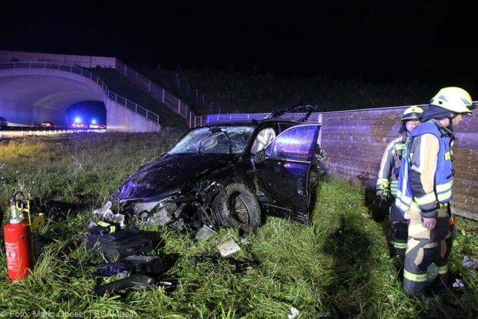 Unfall A8 Burgau-Zusmarshausen SUV überschlagen 07102019 8