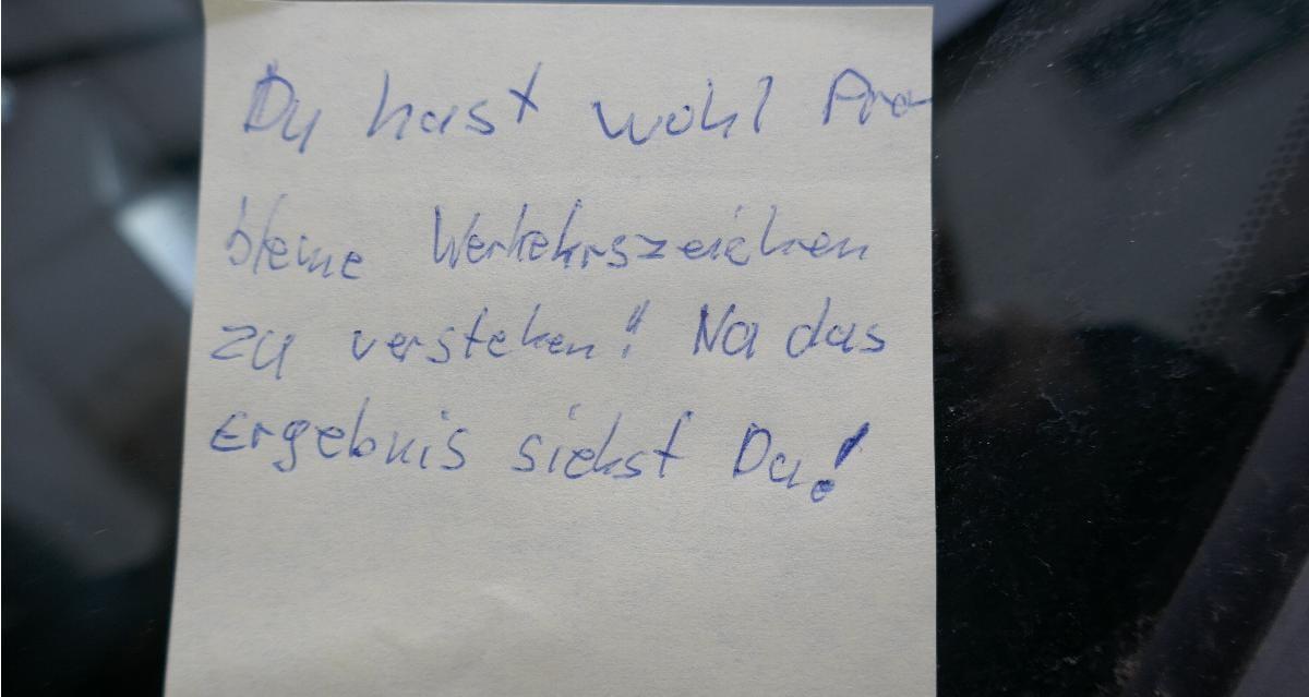Donauwoerth Zettel Auto verkratzt