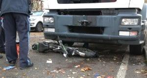 Gundelfingen B16 Unfall Lkw Mofa 15112019 9