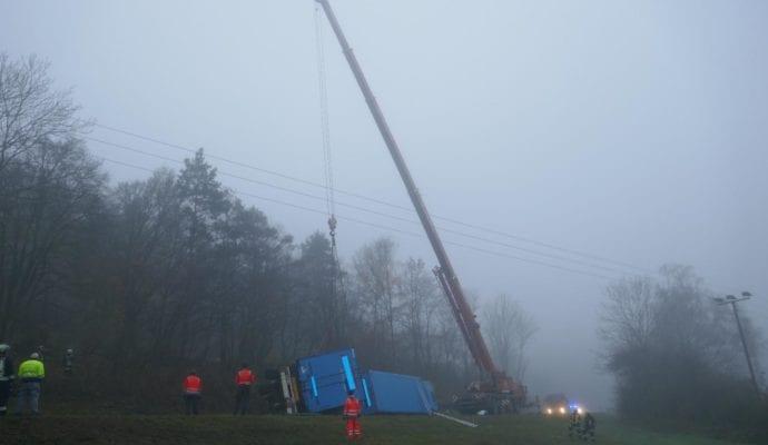 Lkw Unfall Harburg 25112019 Bergung