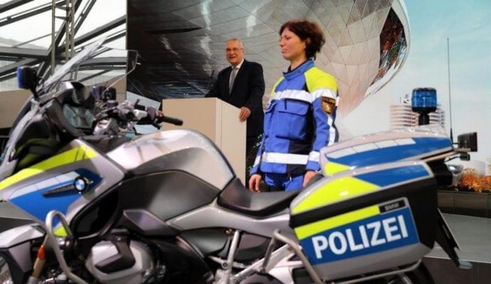 Neue Motorräder Bayerische Polizei BMW 1250 RT 2