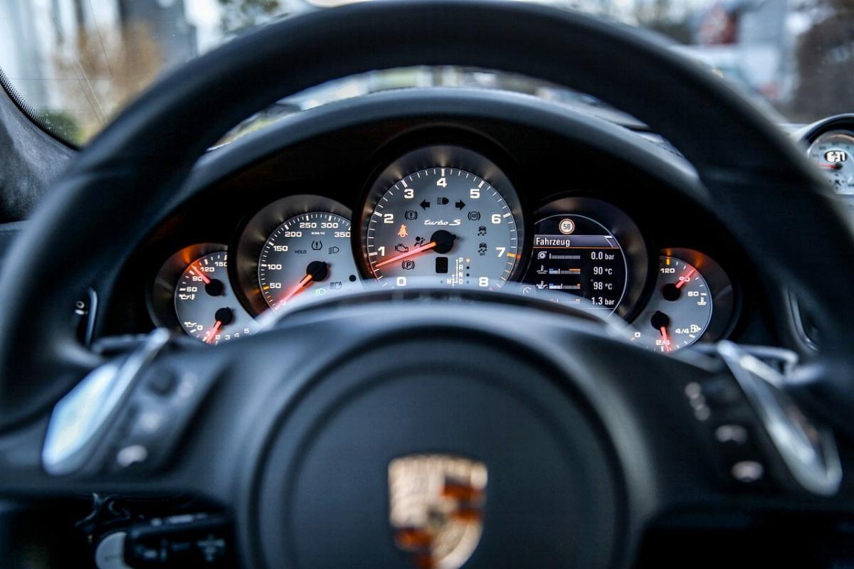 Porsche Lenkrad Steuer