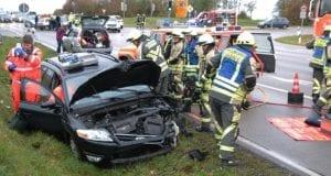 Unfall B16 Günzburg Kreuzung Deffingen-Denzingen 03112019 23
