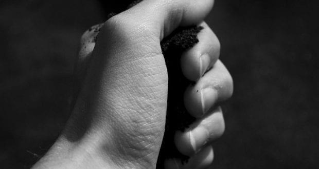 Faust Hand