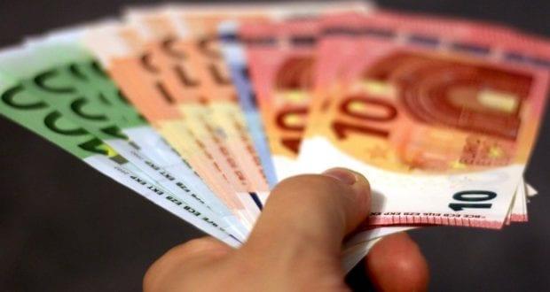 Geld in der Hand Euro