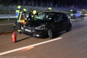Unfall A8 Zusmarshausen-Adelsried 13122019 6