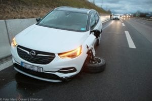 Unfall B16 AS Günzburg 07122019 1