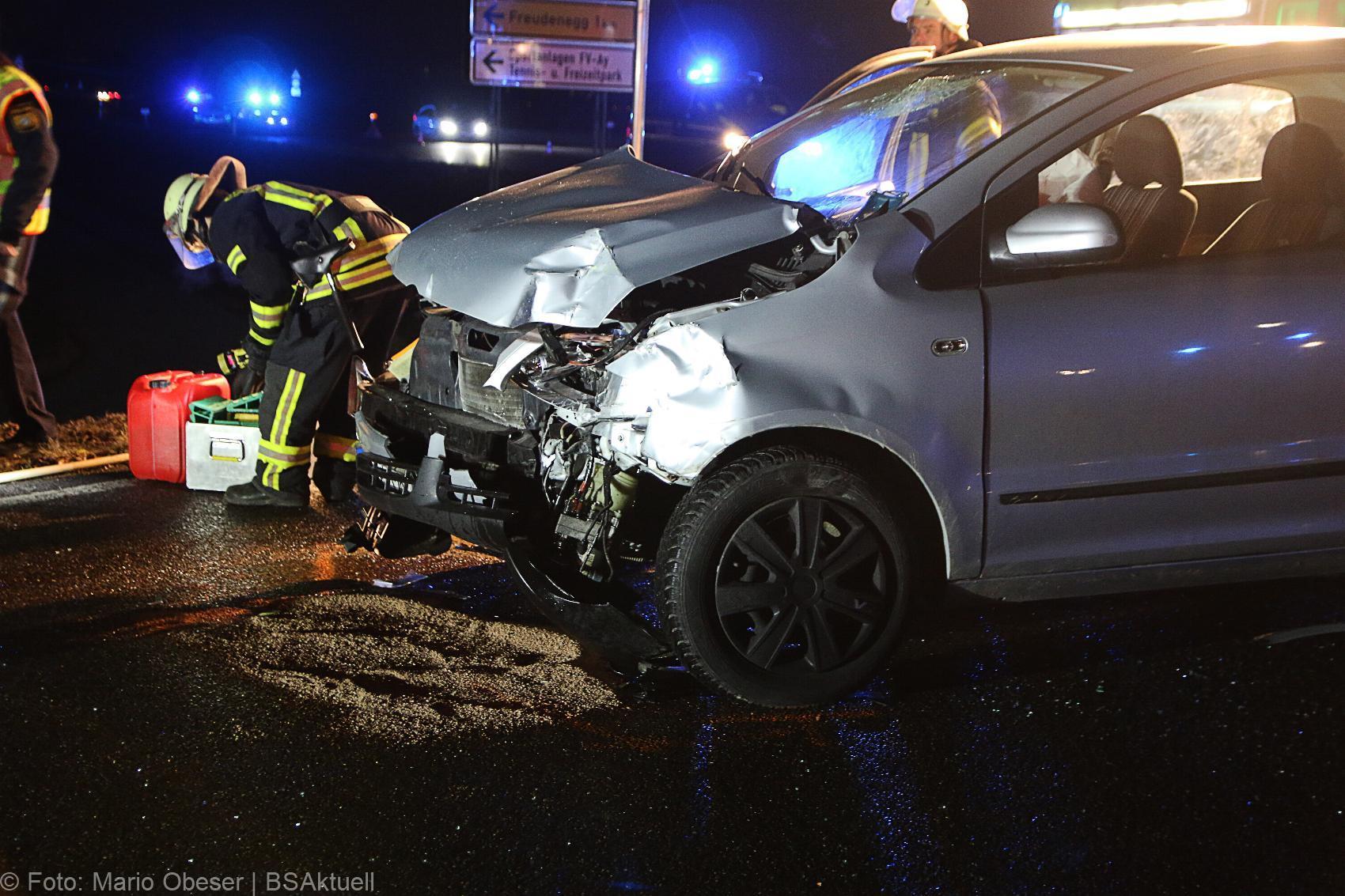 Unfall Bus-Pkw Senden Gerlenhofen 28122019 1