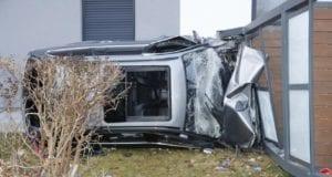 Bobingen Pkw Unfall Balkon 26012020 4