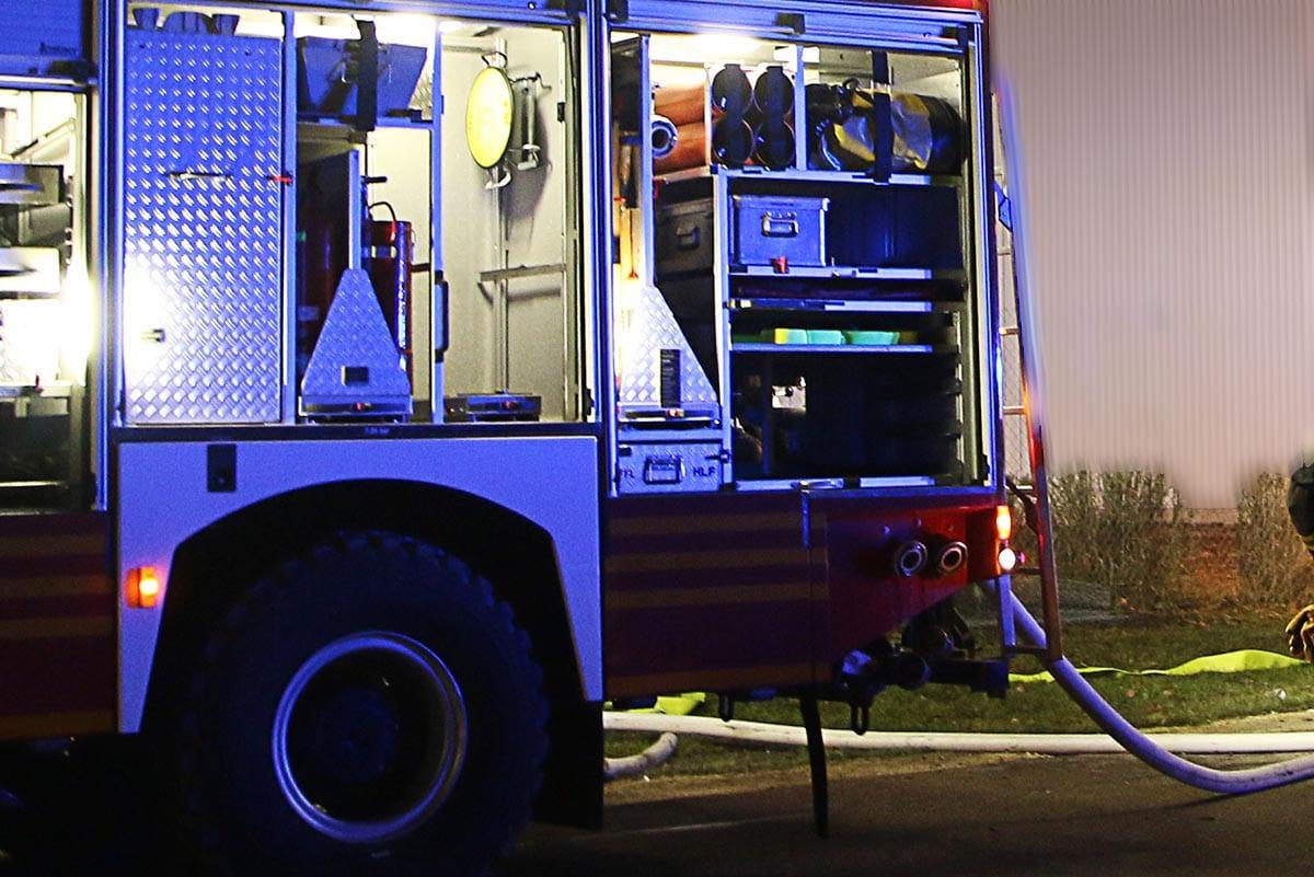Feuerwehrfahrzeug Nacht
