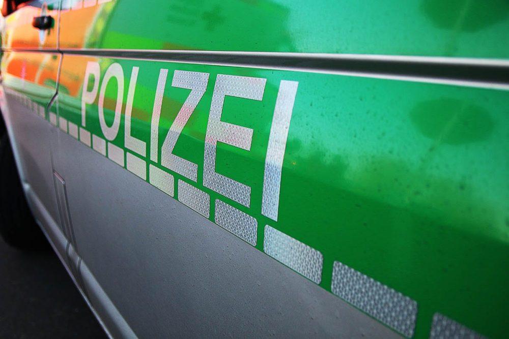 Polizeifahrzeug Rettungswagen