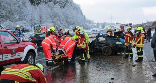 Unfall A8 Burgau – Guenzburg MAssenkarambolage 190120 21