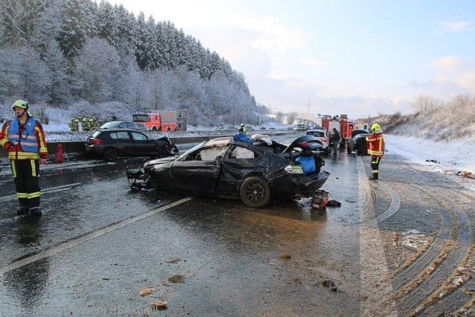 Unfall A8 Burgau – Guenzburg MAssenkarambolage 190120 26