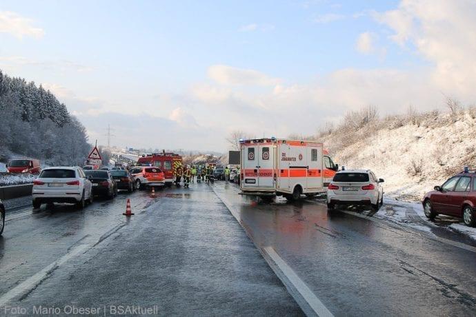 Unfall A8 Burgau – Guenzburg MAssenkarambolage 190120 27