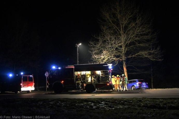 Unfall B16 Ichenhausen Heubelsburg Pkw Baum 23012020 16