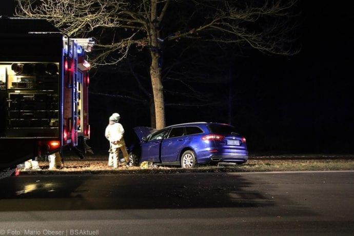 Unfall B16 Ichenhausen Heubelsburg Pkw Baum 23012020 8