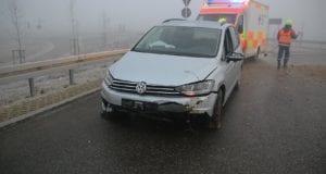 Unfall Limbach Kreisverkehr 06012020 9