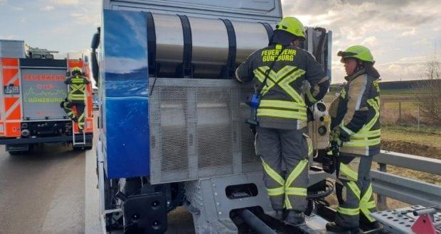 Feuerwehr Guenzburg A8 Lkw-Brand 1