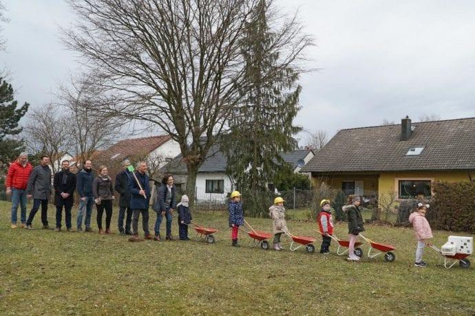 Guenzburg Schubkarren KitaWest Baustellenbesuch