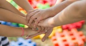 Hände Hand Zusammenhalt