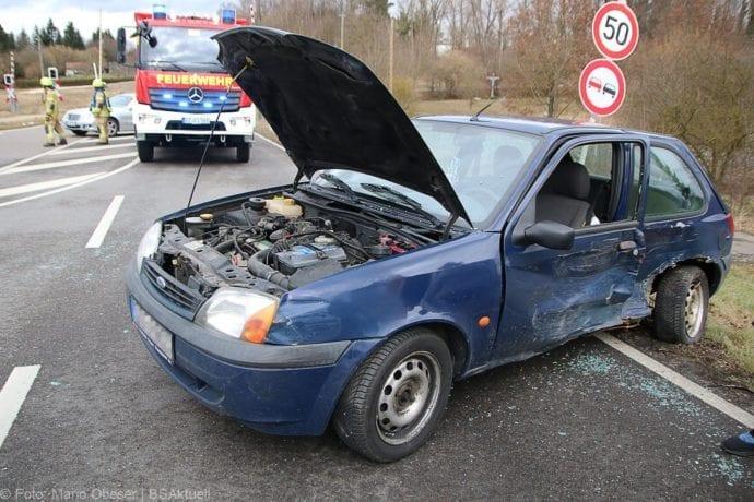 Unfall B16 Ichenhausen-Waldstetten 14022020 1