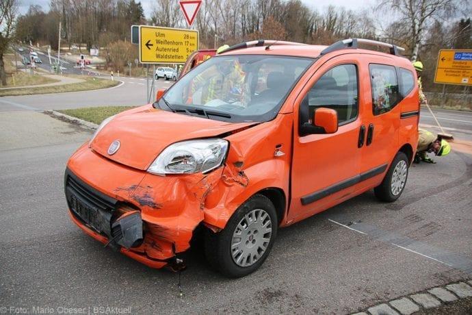 Unfall B16 Ichenhausen-Waldstetten 14022020 2