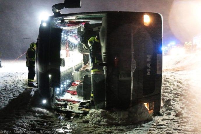 Unfall Reisebus B10 Kreuzung Tomerdingen 27022020 11