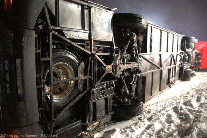 Unfall Reisebus B10 Kreuzung Tomerdingen 27022020 14