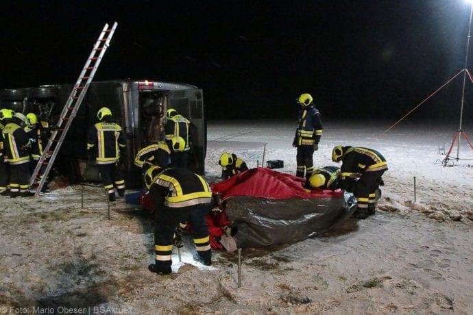 Unfall Reisebus B10 Kreuzung Tomerdingen 27022020 19