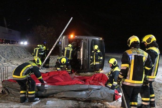 Unfall Reisebus B10 Kreuzung Tomerdingen 27022020 21